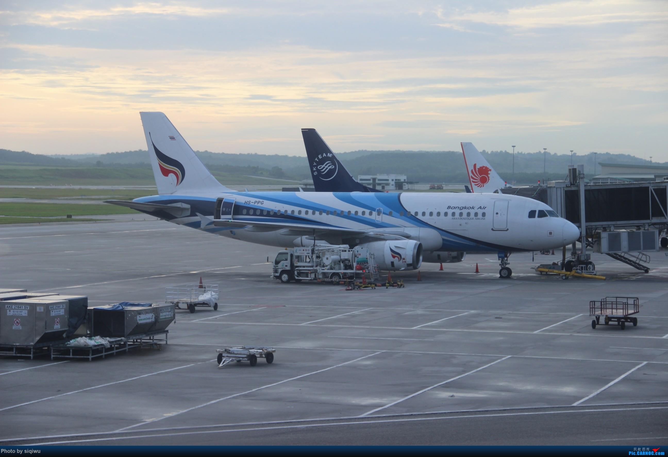 Re:[原创]PVG-HKG-KUL-HKG-PVG 四天往返,CX/KA AIRBUS A319  马来西亚吉隆坡国际机场