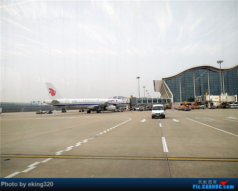 Re:[原创]2016年第三次魔都行(CKG—SHA,PVG—CKG)世界上最大的过山车弯道停车 AIRBUS A320-200 B-6882 中国上海浦东国际机场