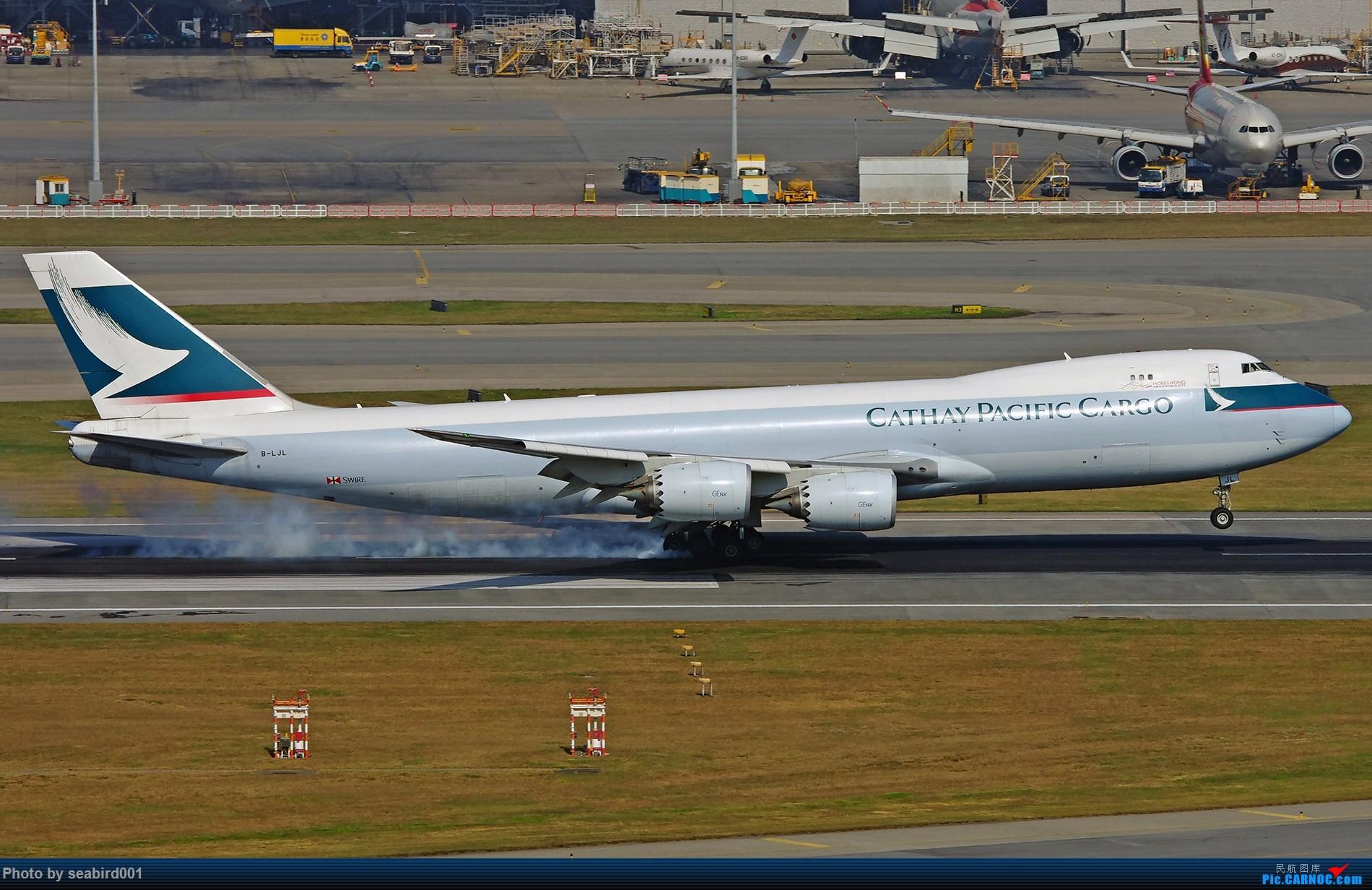 [原创]748卡狗落地,擦烟。 BOEING 747-8I B-LJL 中国香港国际机场
