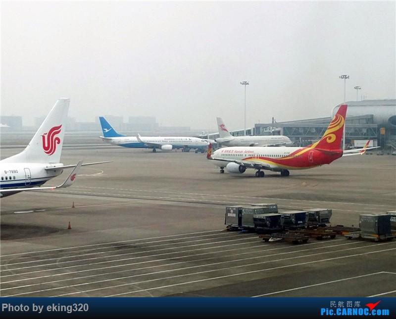 Re:[原创]2016年第三次魔都行(CKG—SHA,PVG—CKG)世界上最大的过山车弯道停车 BOEING 737-800 B-1728 中国重庆江北国际机场