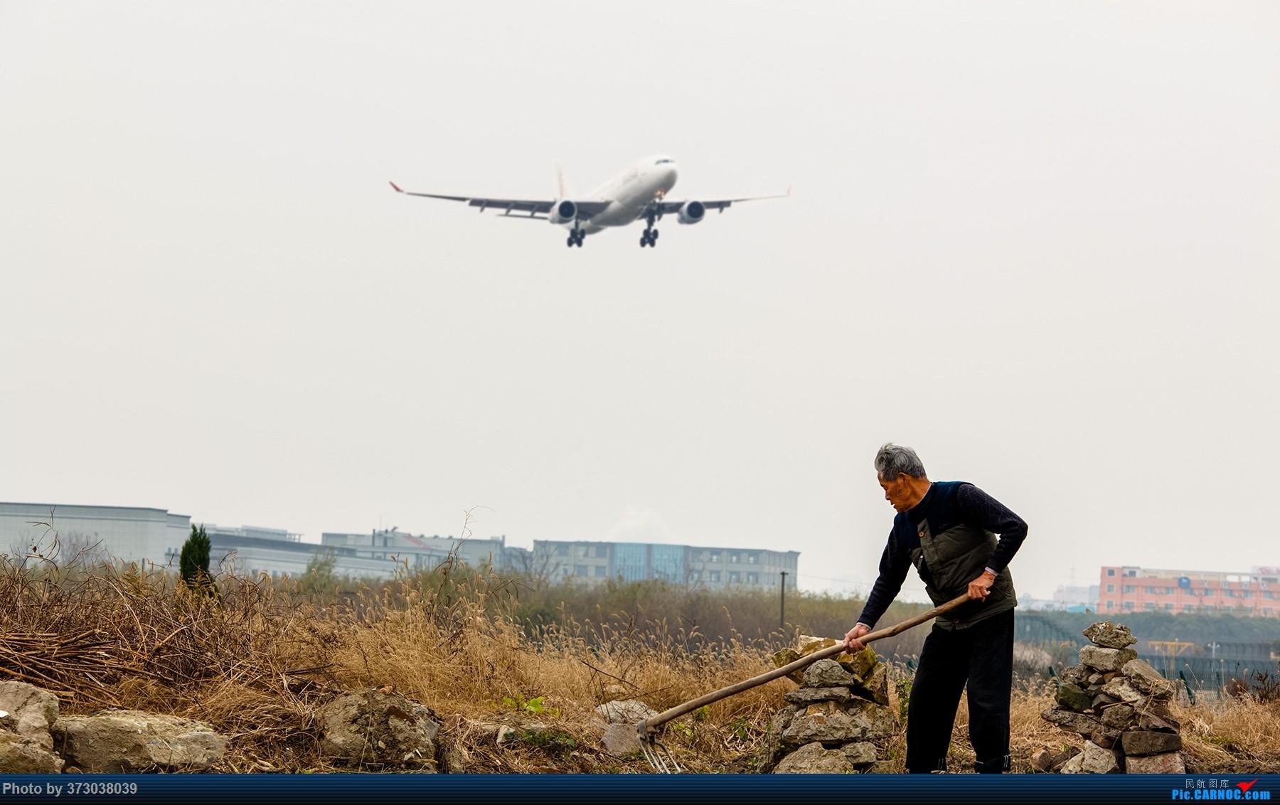 [原创]圣诞平安夜前 杭州萧山国际机场 三飞友随拍【杭州飞友会】     飞友