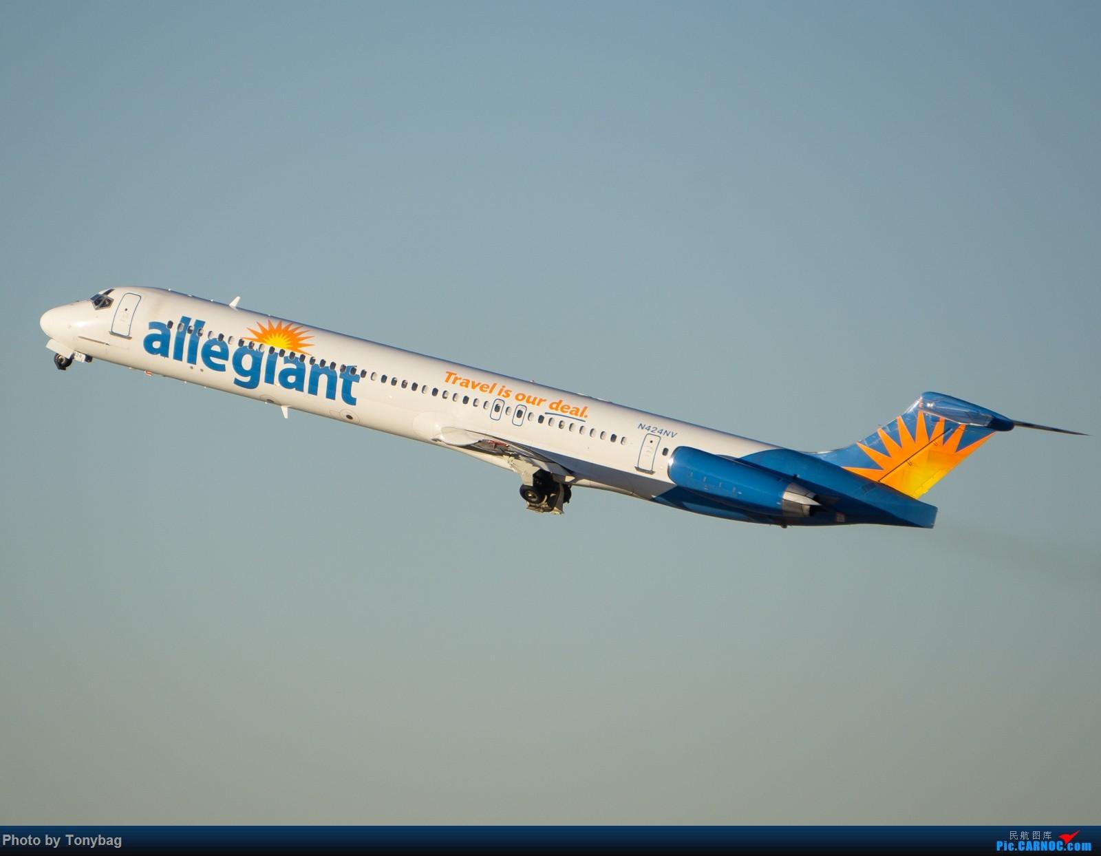 Re:[原创]【LAS】美廉航忠实航空老飞机 MD MD-80-83 N424NV 拉斯维加斯麦卡伦国际机场