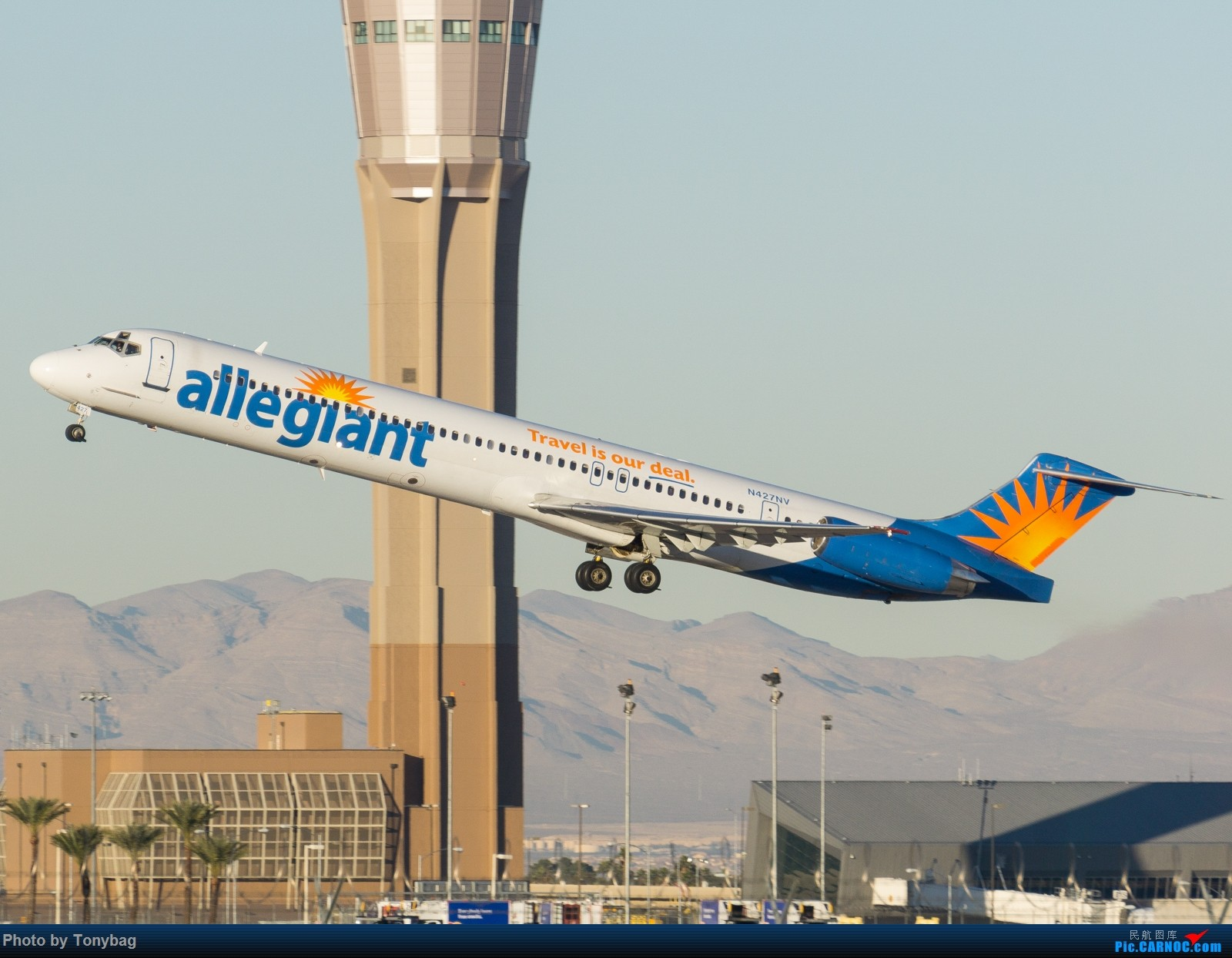 Re:[原创]【LAS】美廉航忠实航空老飞机 MD MD-80-83 N42NV7 拉斯维加斯麦卡伦国际机场