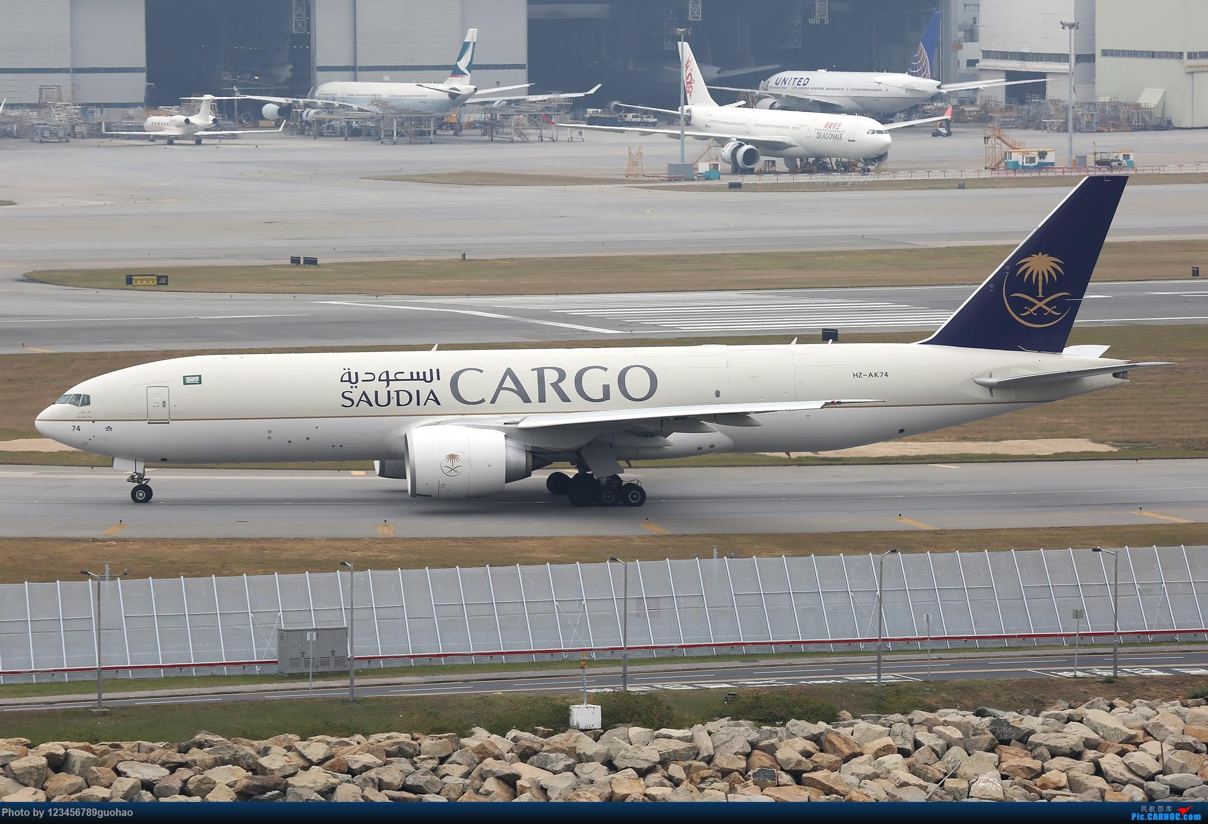 Re:[原创]香港货 BOEING 77F HZ-AK74 香港赤鱲角国际机场