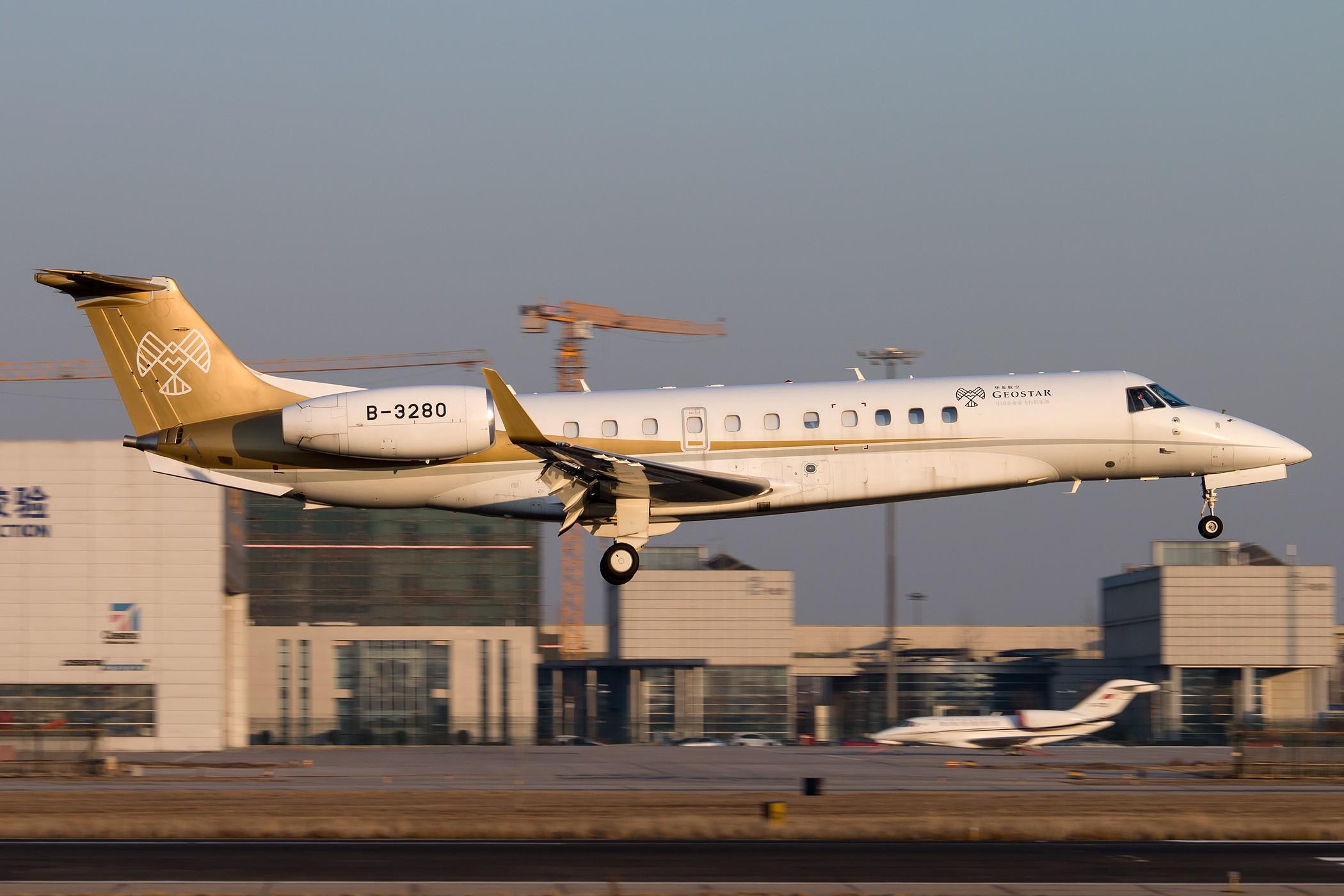 [原创][一图党] 华龙航空 中国企业家飞行俱乐部 B-3280 2100*1400 EMBRAER LEGACY 650 B-3280 中国北京首都国际机场