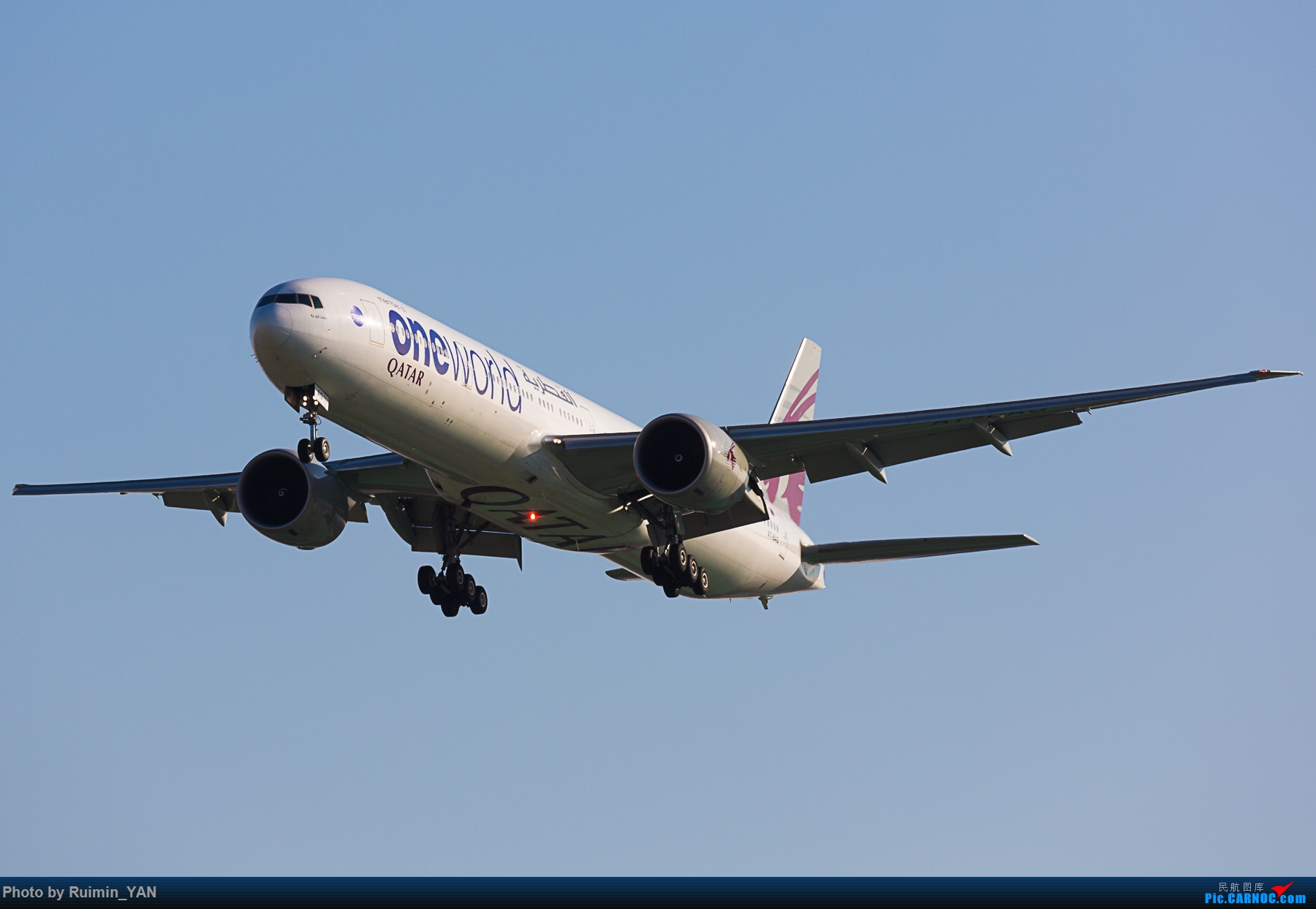 [原创]【PEK】【彩绘】卡塔尔航空寰宇一家(QR,Qatar,oneworld) 77W A7-BAG BOEING 777-300ER A7-BAG 中国北京首都国际机场