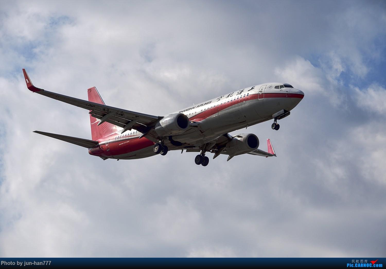 Re:[原创]难得好天上点A、B货 BOEING 737-800 B-5831
