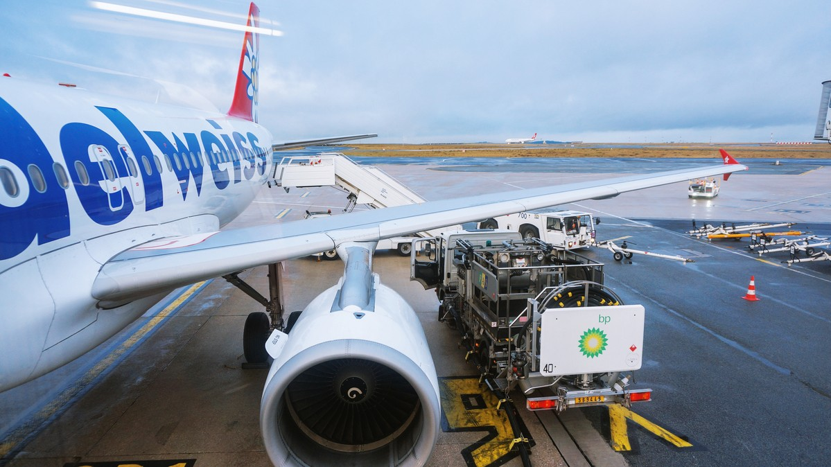 Re: [原创]【 环球十万公里 | 除了横跨太平洋 | 东欧西欧 | 中集 】 AIRBUS A320-200 HB-IJU 法国戴高乐机场