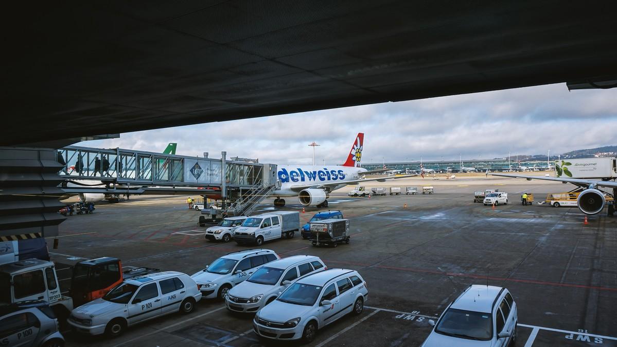 Re:[原创]【 环球十万公里 | 除了横跨太平洋 | 东欧西欧 | 中集 】 AIRBUS A320-200 HB-IJU 空中 瑞士苏黎世机场
