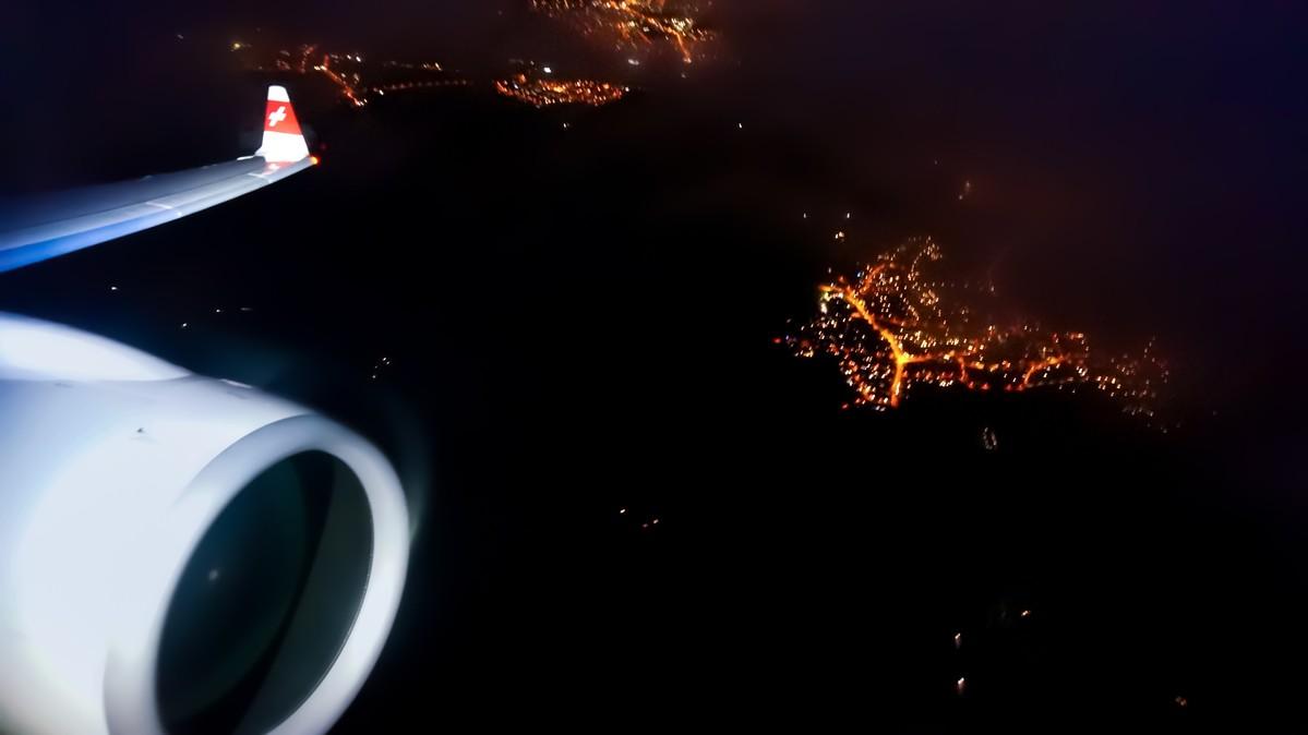 Re: [原创]【 环球十万公里 | 除了横跨太平洋 | 东欧西欧 | 中集 】 BOMBARDIER CSERIES CS100 HB-JBC 空中