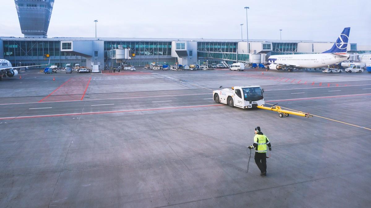 Re: [原创]【 环球十万公里 | 除了横跨太平洋 | 东欧西欧 | 中集 】 AIRBUS A320-200 HB-JLS 波兰华沙萧邦机场