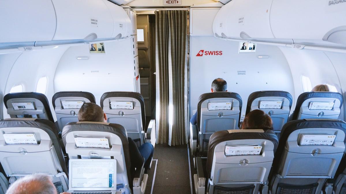 Re: [原创]【 环球十万公里 | 除了横跨太平洋 | 东欧西欧 | 中集 】 AIRBUS A320-200 HB-JLS 空中