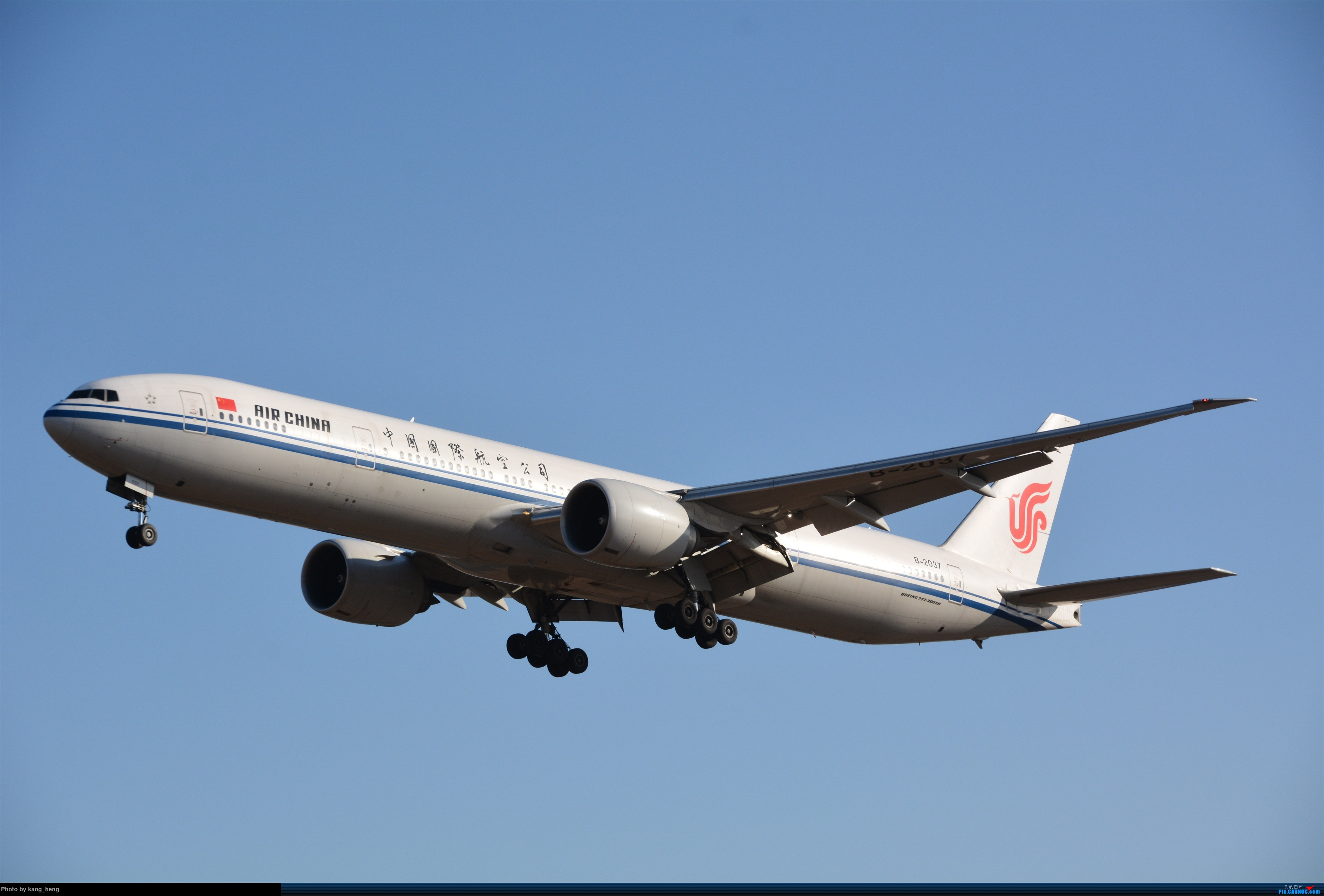 """Re:【KH拍机】PEk八卦台拍机 厦航""""金砖梦想号""""789+752新涂 国航748 南航388... BOEING 777-300ER B-2037 北京首都国际机场"""