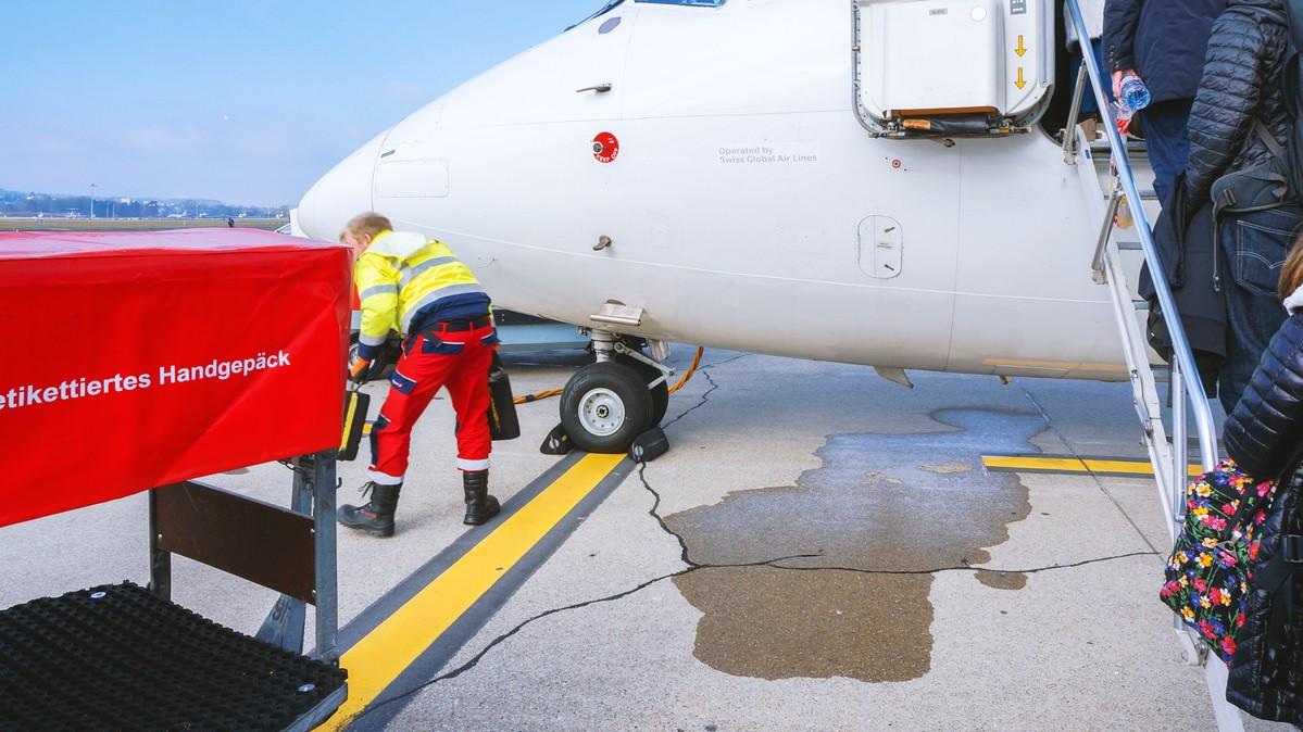Re: [原创]【 环球十万公里 | 除了横跨太平洋 | 东欧西欧 | 中集 】 BRITISH AEROSPACE BAE-146-100 HB-IXT 瑞士苏黎世机场