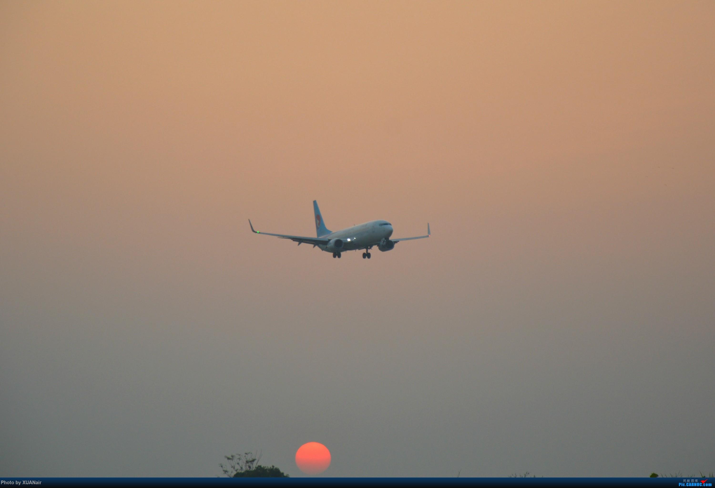 夜归 BOEING 737-800 B-1561 中国南宁吴圩国际机场