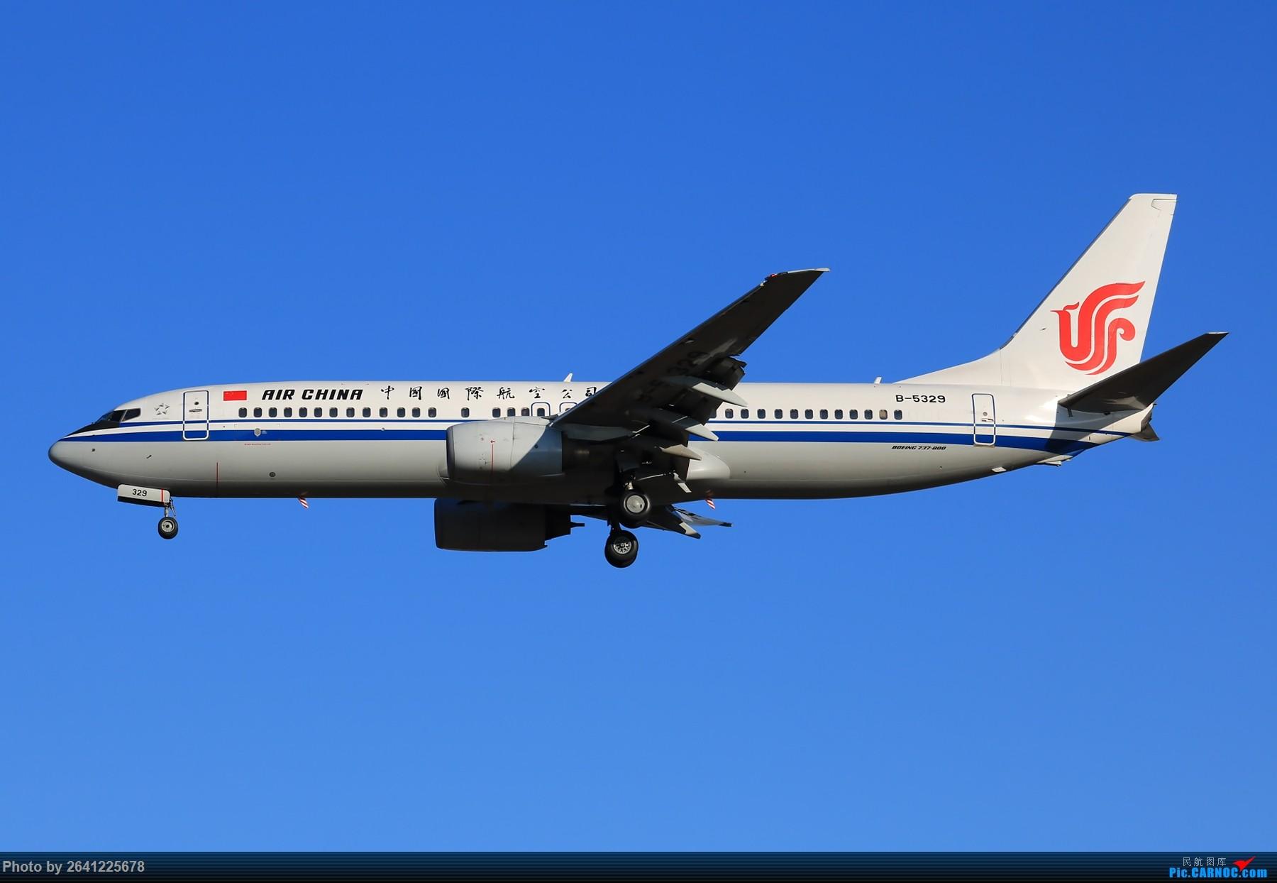 Re:[原创]【PEK】六七级北风吹走了雾霾,吹不走拍机的热情!1800*1200/1920*1280一组 图片略多,慢慢发 BOEING 737-800 B-5329 中国北京首都国际机场