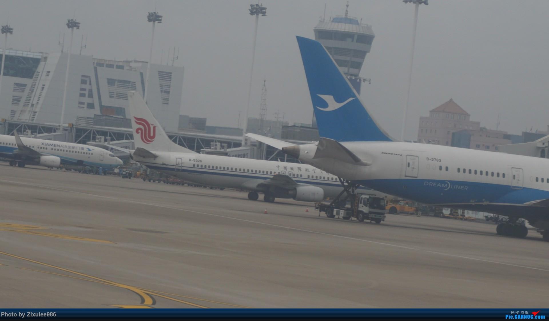 Re:[原创]新年第一次出行~…XMN-NGB-CGO 沿途拍机..多图 BOEING 737-800 B-5326 中国厦门高崎国际机场