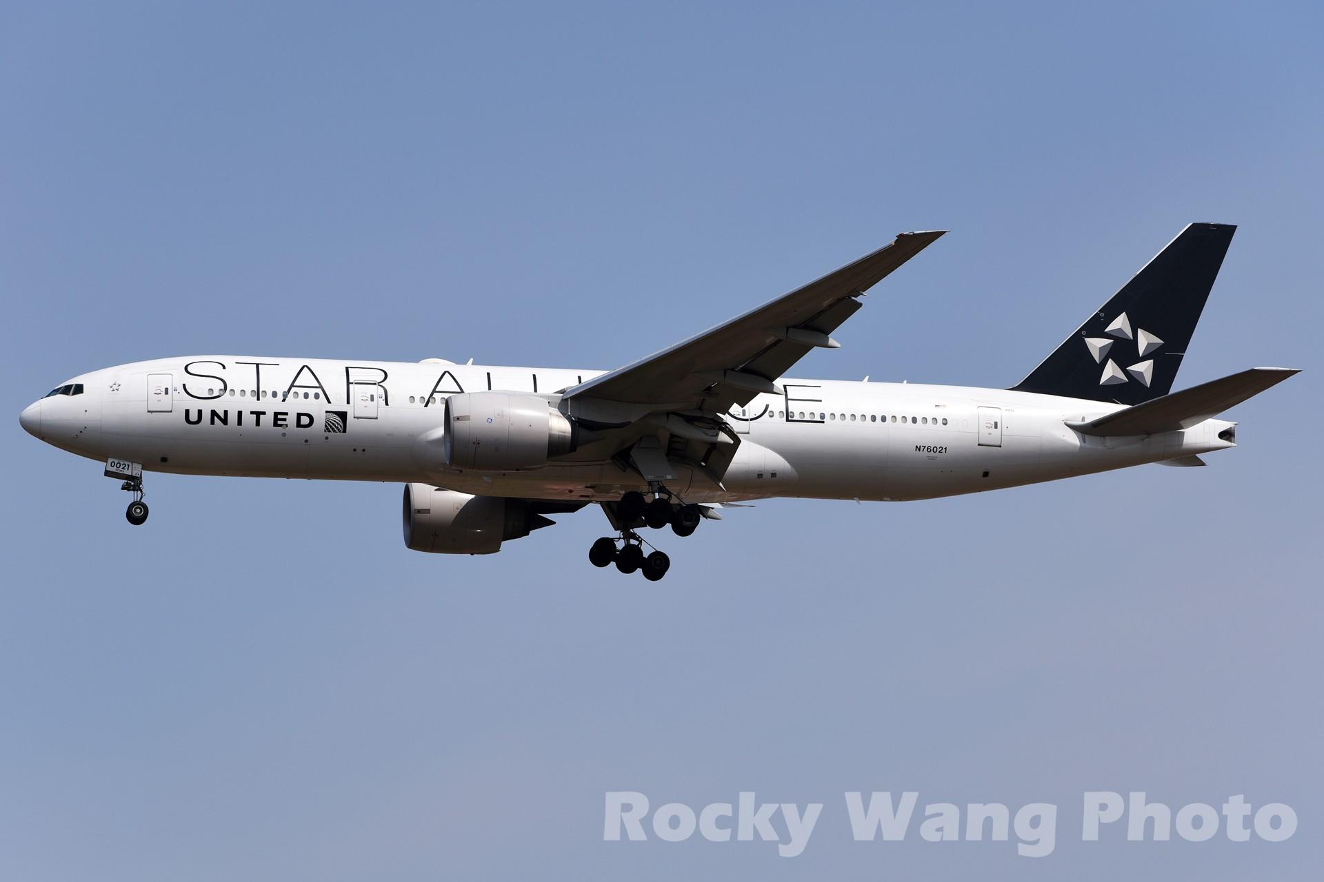 Re:[原创]白与黑 BOEING 777-200ER N76021 中国上海浦东国际机场