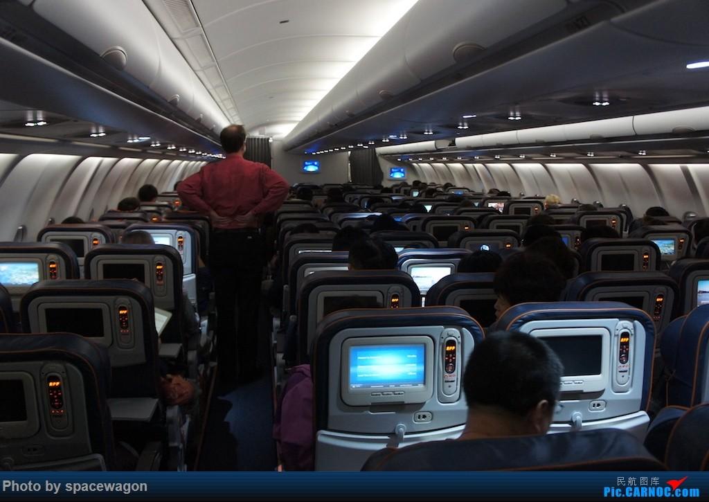 Re:[原创]{瓦罐出品} 为我大俄航正名:14年俄航北京莫斯科罗马往返加瑞士少女峰登山铁路和法国勃艮第酒庄之路 AIRBUS A330-300