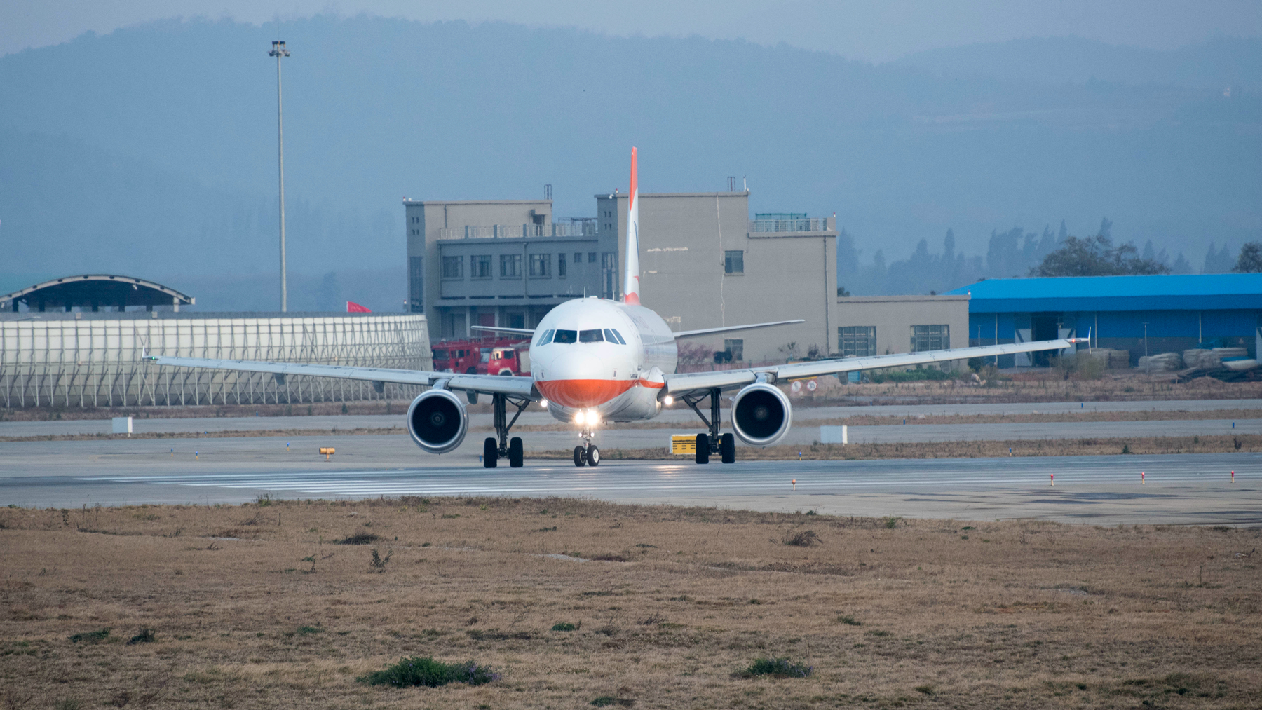 Re:[原创]长水拍机 AIRBUS A320-200 B-8432 长水机场