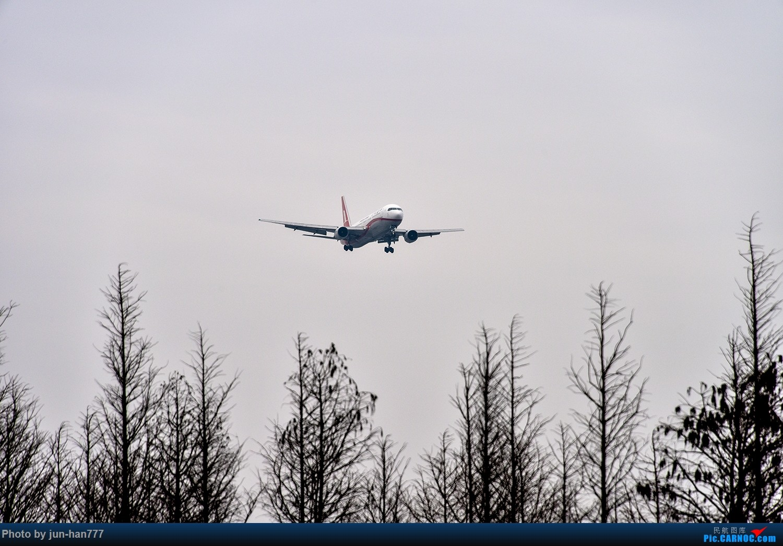 [原创]灰蒙蒙的飞机 BOEING 767-300 B-2500