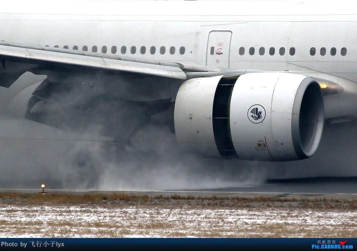 Re:[原创]春雪贵如牛 BOEING 777-300ER F-GSQI 中国北京首都国际机场
