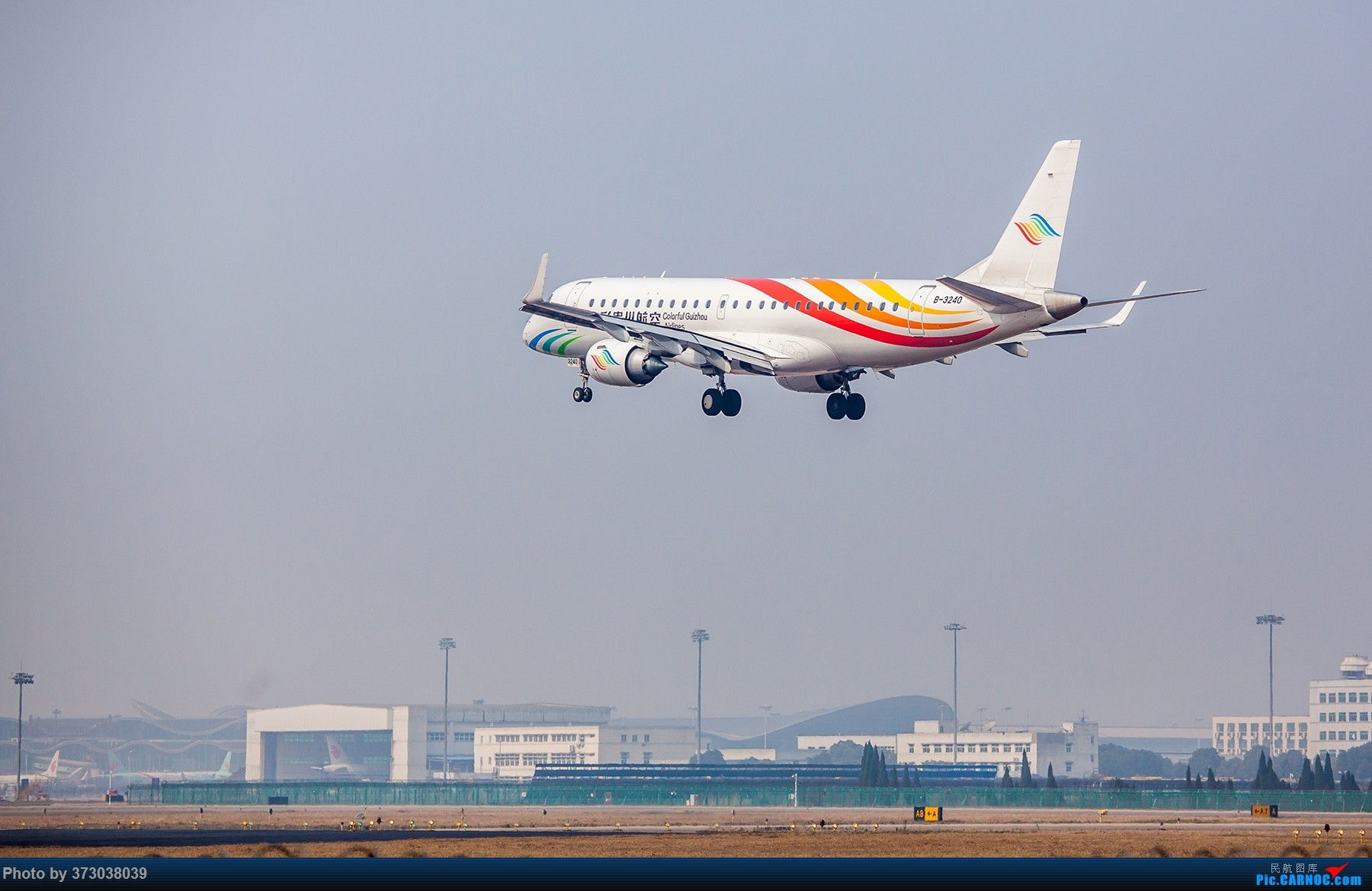 Re:[原创]【杭州飞友会】A320Neo迪士尼杭州萧山机场拍机班门弄斧记 EMBRAER E-190 B-3240 中国杭州萧山国际机场