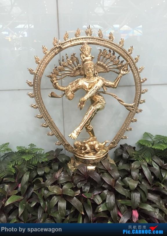 Re:[原创]【瓦罐出品】16年二刷印度德里-金奈-海德拉巴-瓦拉纳西 香料航空4周南印漫游    印度德里机场