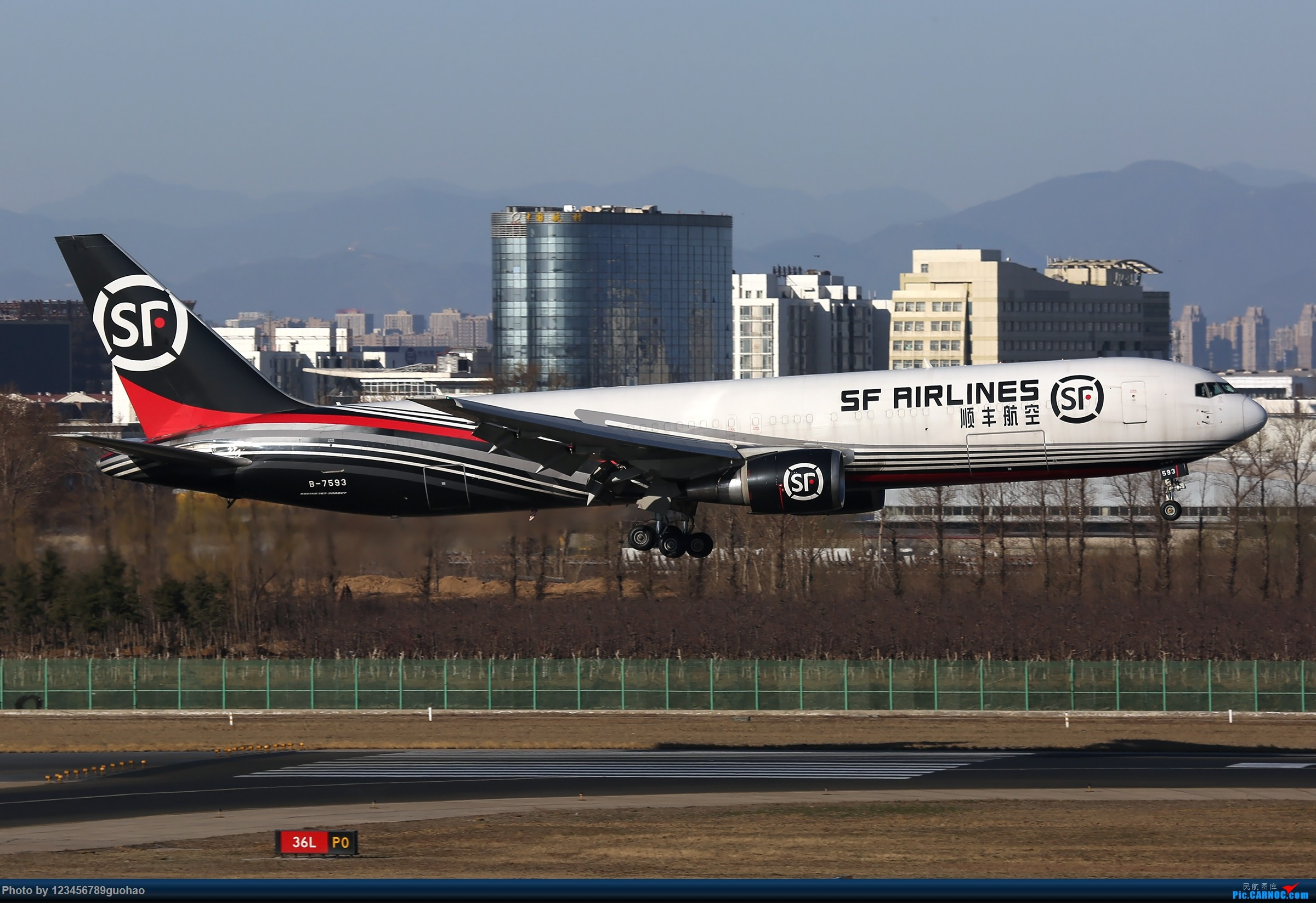 Re:[原创]PEK格林豪泰一组 BOEING 767-300ER B-7593 北京首都国际机场