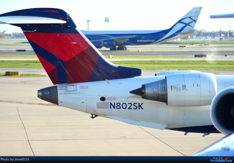 Re:[原创]【ORD芝加哥】迟来的美国游记之芝加哥转机,碴图谨入 CEJ-900 N802SK 芝加哥奥黑尔国际机场