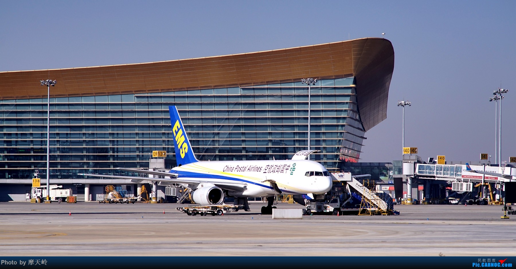 Re:[原创]【昆明长水】内场拍拍拍 BOEING 757-200 B-2827 中国昆明长水国际机场