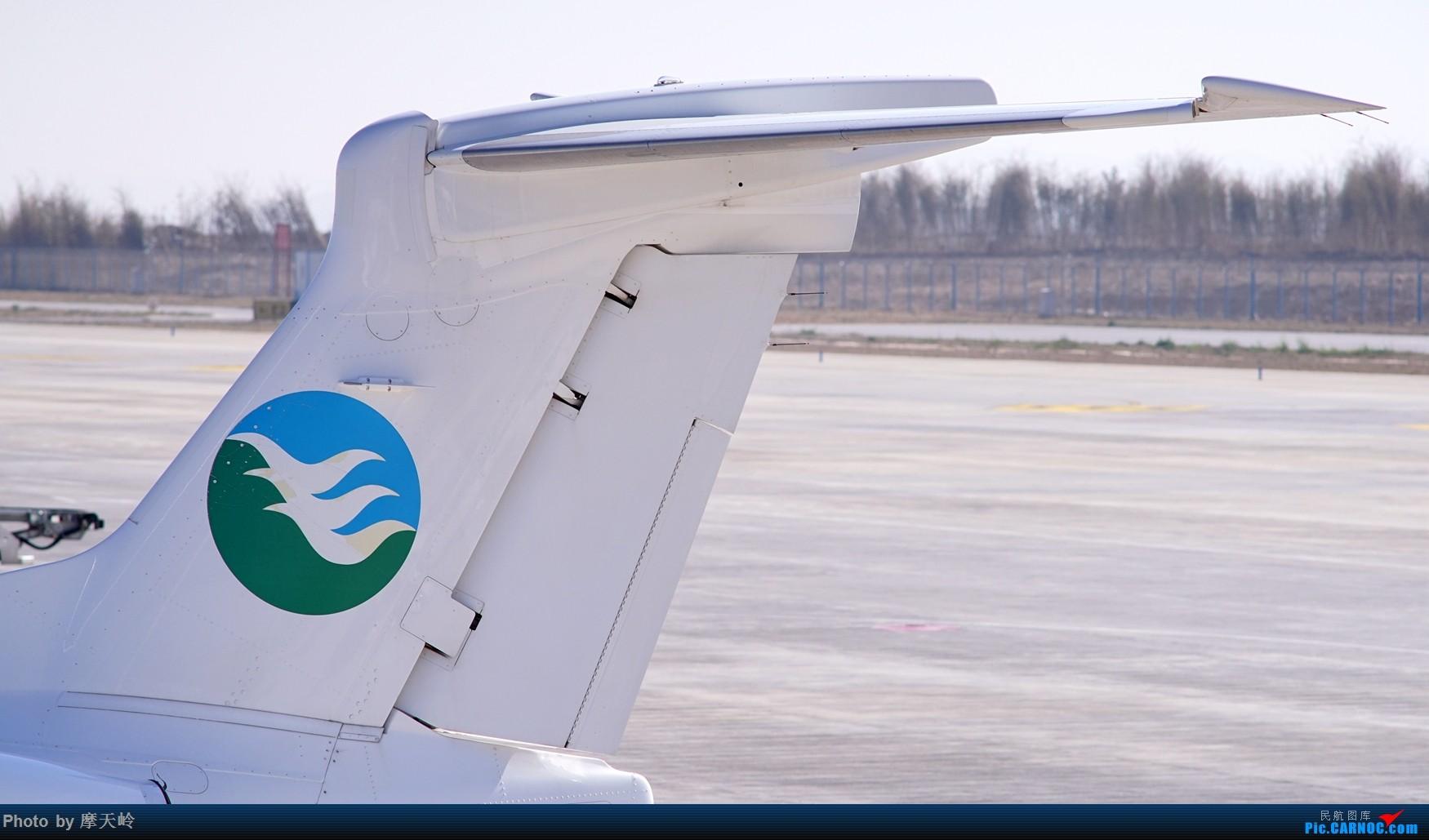 Re:[原创]【昆明长水】内场拍拍拍 EMBRAER PHENOM 300 B-9060 中国昆明长水国际机场