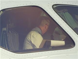 Re:北京首都机场,美航787内的驾驶员