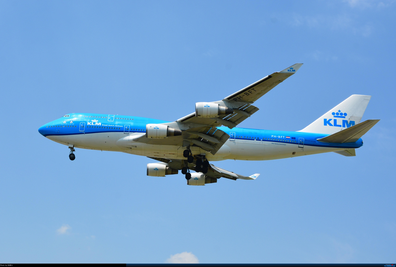 Re:[原创]CTU的冰火两重天 灰的纯粹 蓝的通透 华航 荷航744各一只 BOEING 747-400 PH-BFT 中国成都双流国际机场