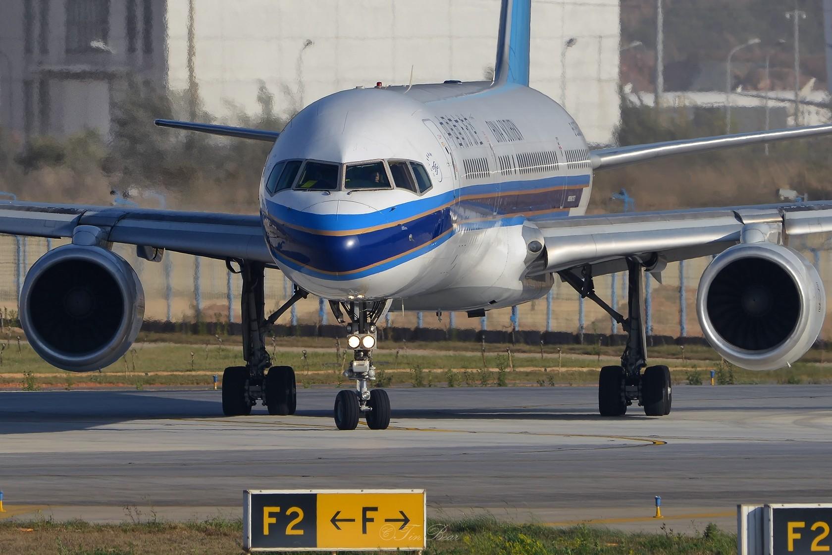 Re:[原创]【KMG】午后的日常 BOEING 757-200 B-2853 中国昆明长水国际机场