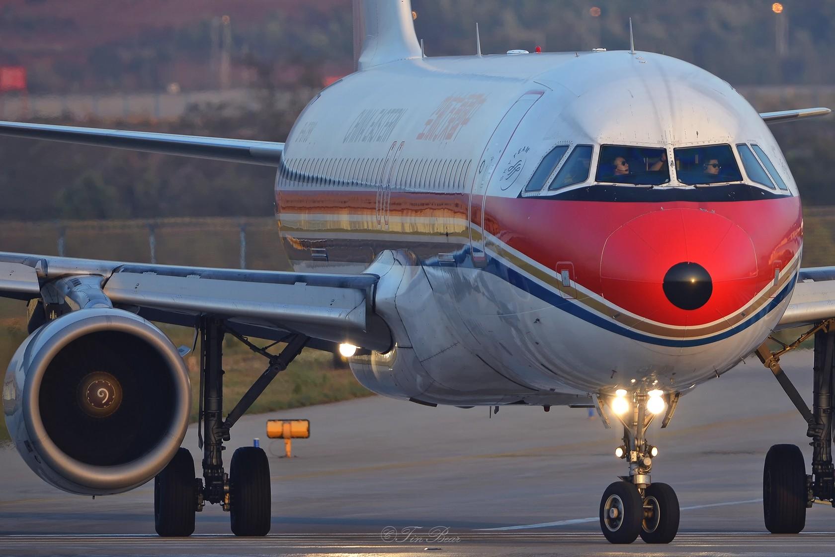 Re:[原创]【KMG】午后的日常 AIRBUS A320-200 B-6798 中国昆明长水国际机场