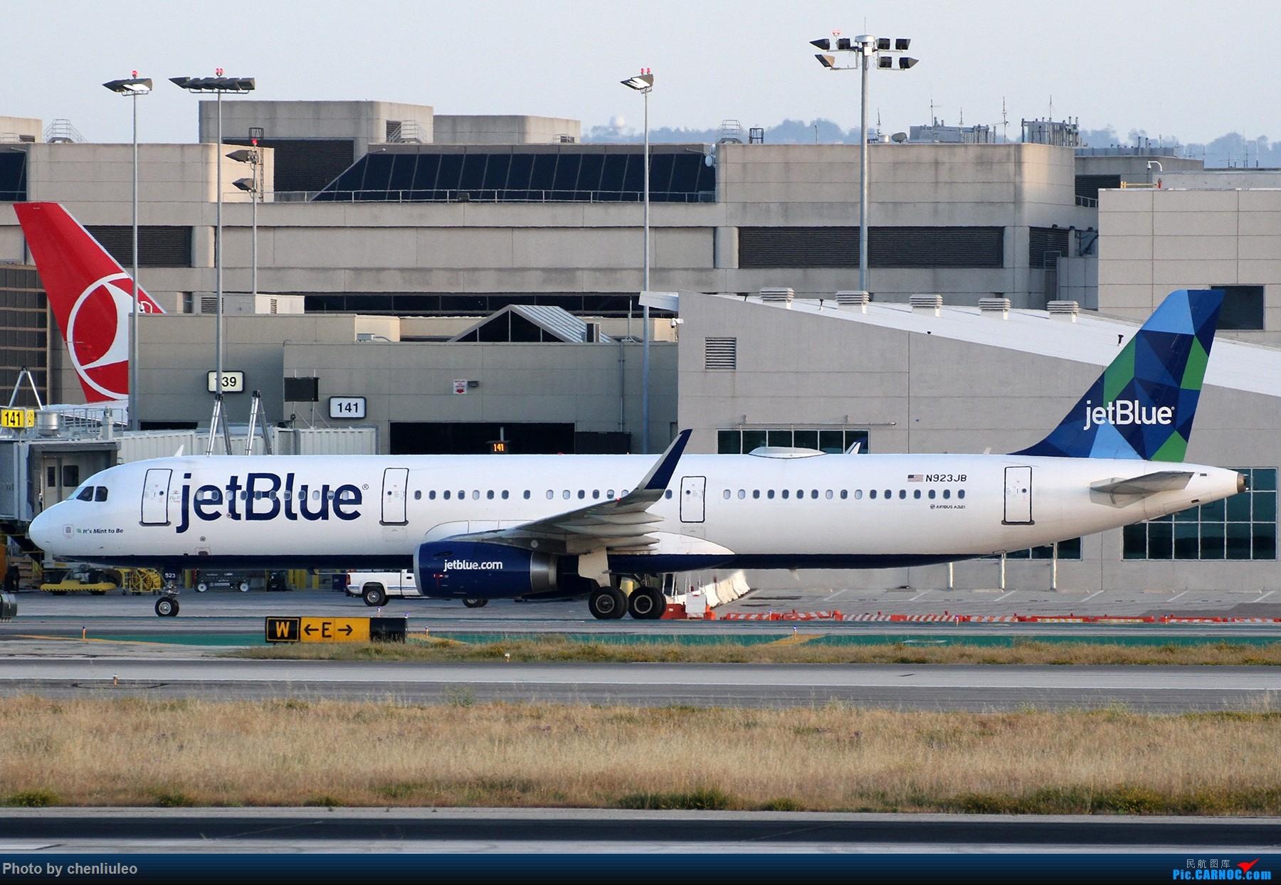 Re:[原创]【北美飞友会】洛杉矶世界机场黄昏随拍 AIRBUS A321-200 N923JB 美国洛杉矶机场