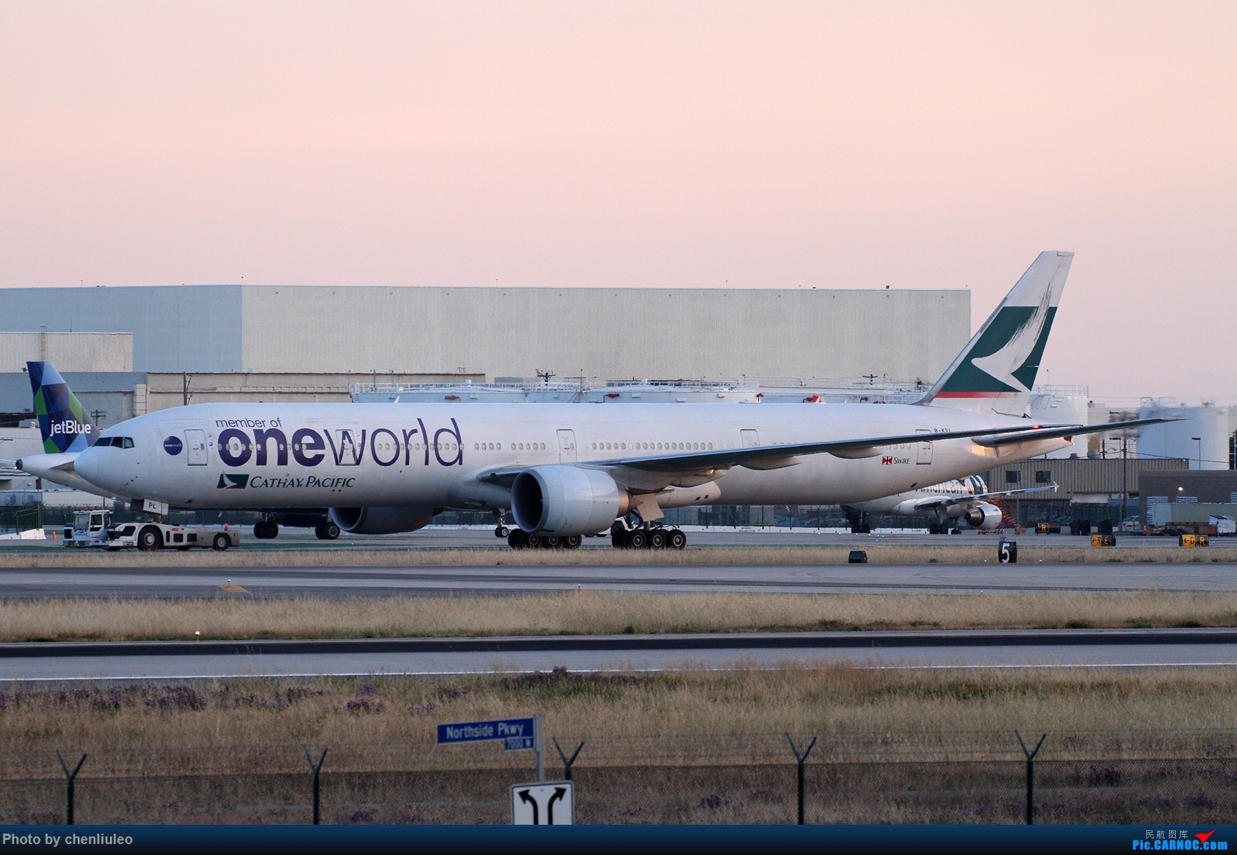 Re:【北美飞友会】洛杉矶世界机场黄昏随拍 BOEING 777-300ER B-KPL 美国洛杉矶机场