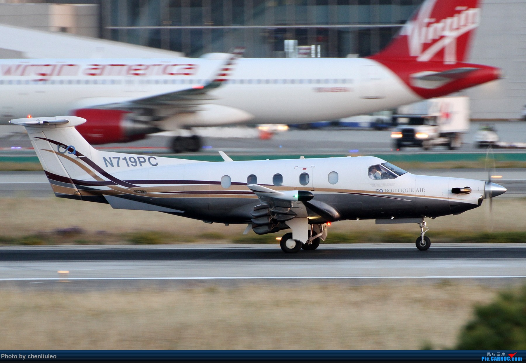 Re:[原创]【北美飞友会】洛杉矶世界机场黄昏随拍 PILATUS PC-12/47E N719PC 美国洛杉矶机场
