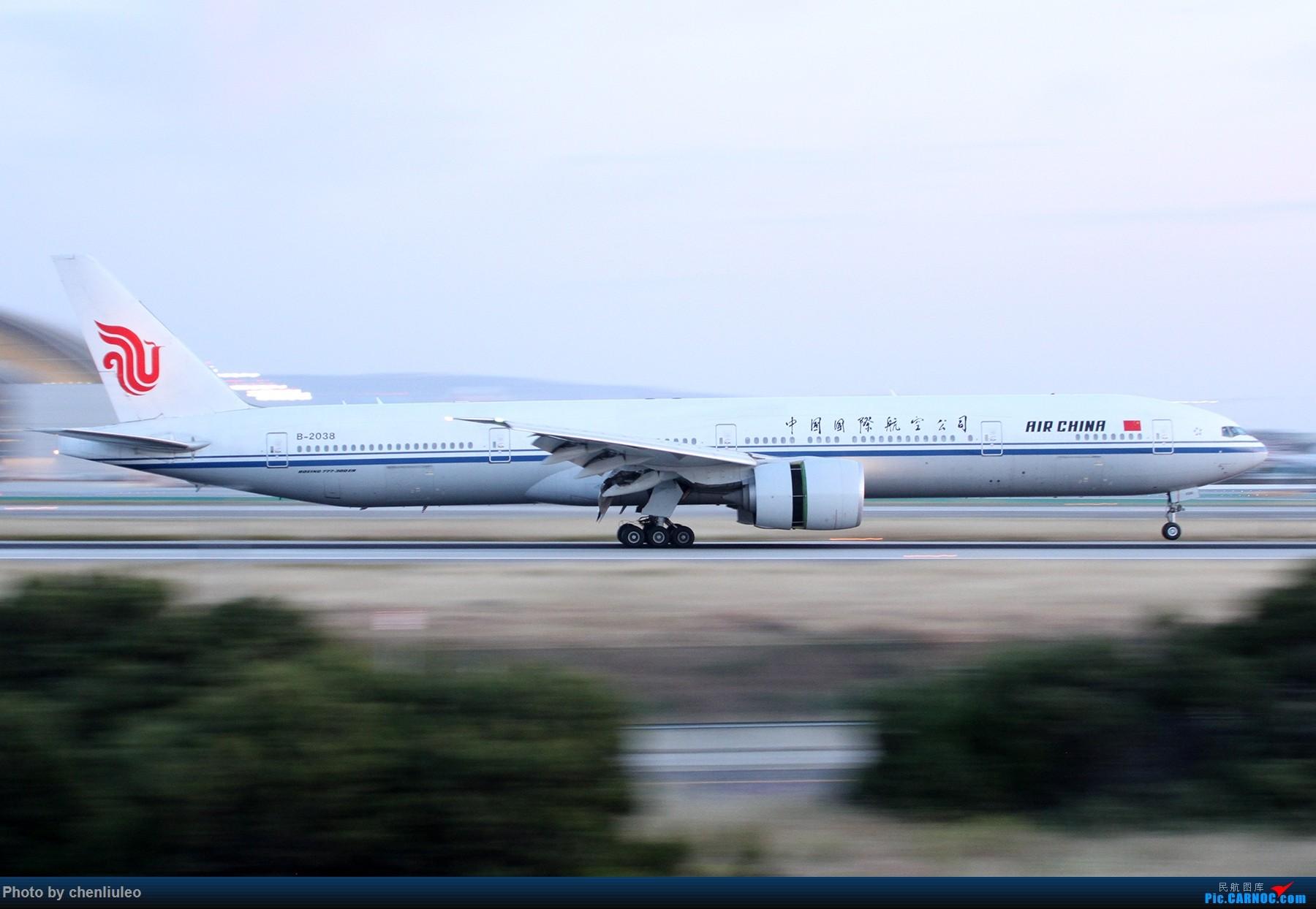 Re:[原创]【北美飞友会】洛杉矶世界机场黄昏随拍 BOEING 777-300ER B-2038 美国洛杉矶机场