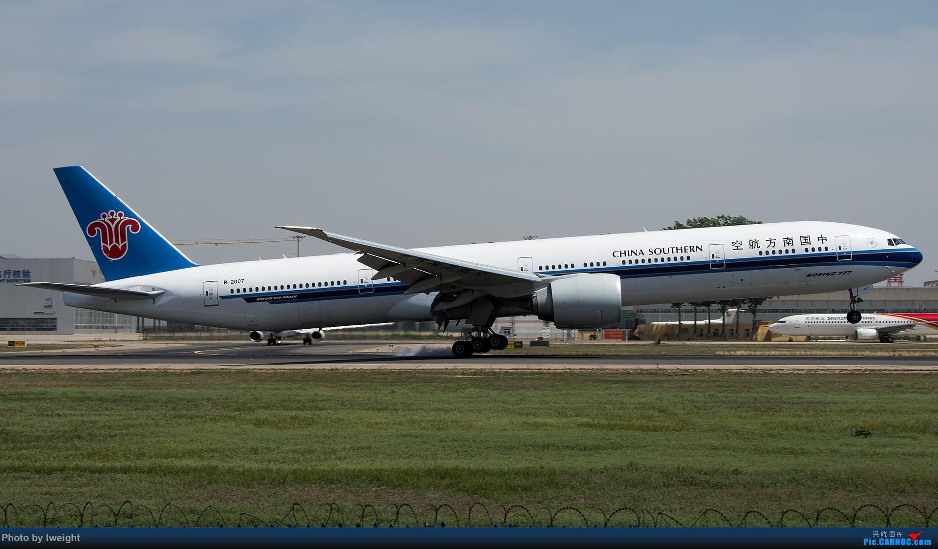 Re:[原创]天气晴朗,继续守候18R【多图】 BOEING 777-300ER B-2007 中国北京首都国际机场