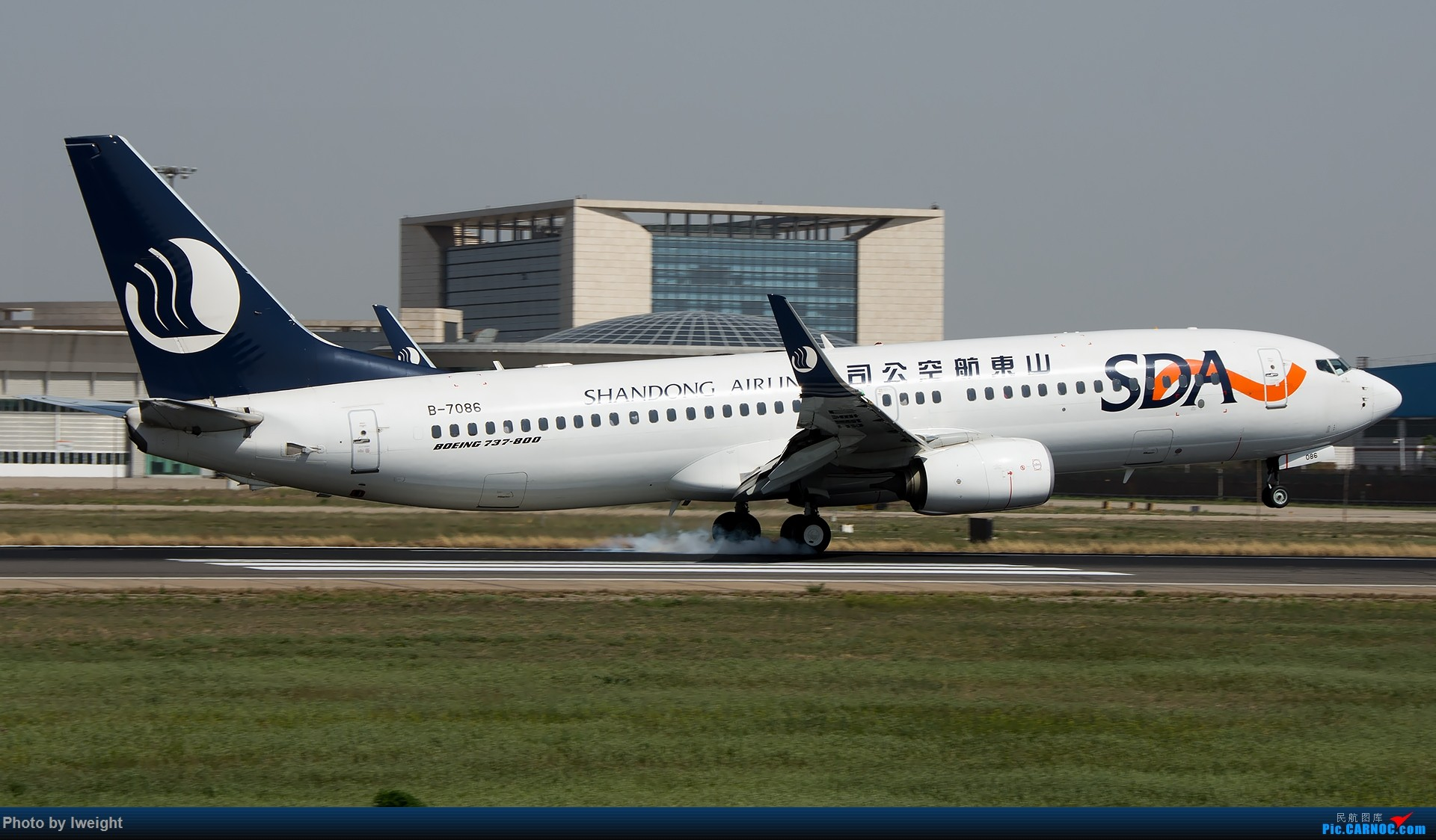 Re:[原创]天气晴朗,继续守候18R【多图】 BOEING 737-800 B-7086 中国北京首都国际机场