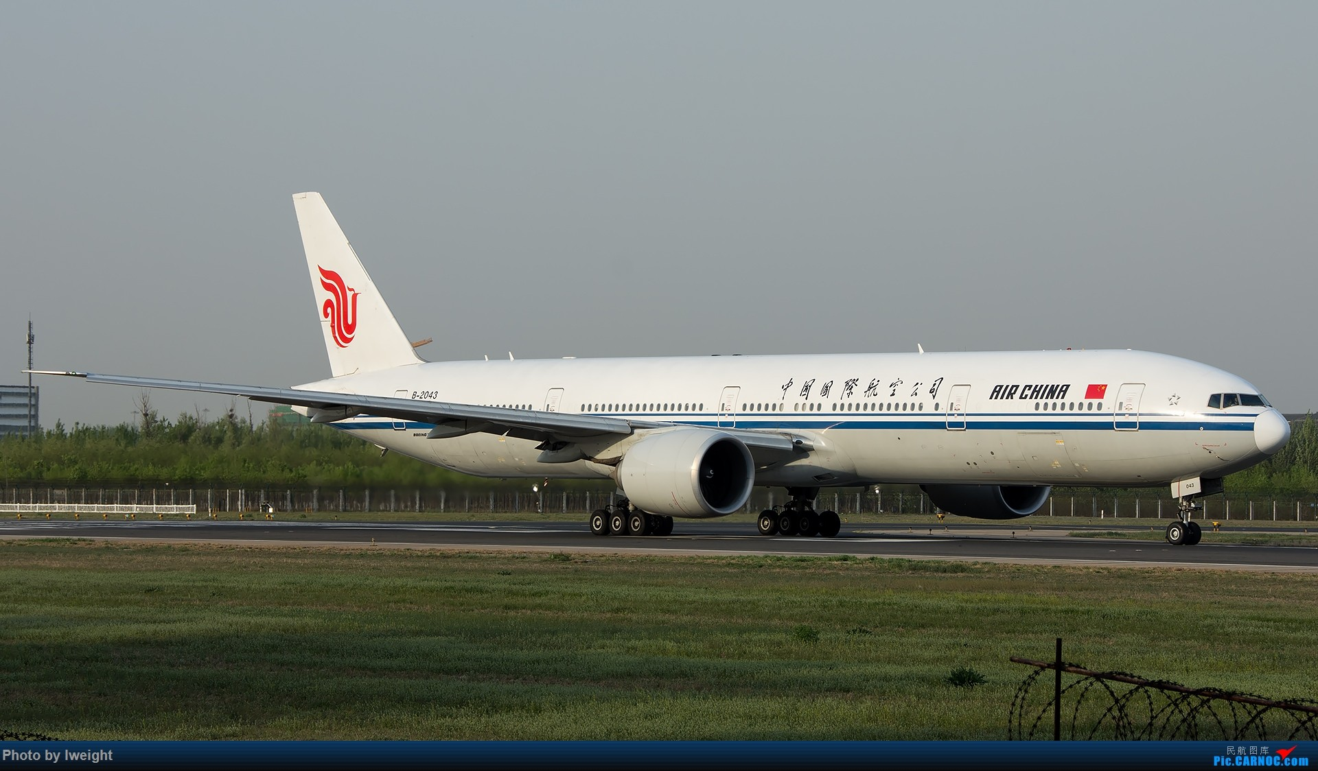 Re:[原创]天气晴朗,继续守候18R【多图】 BOEING 777-300ER B-2043 中国北京首都国际机场