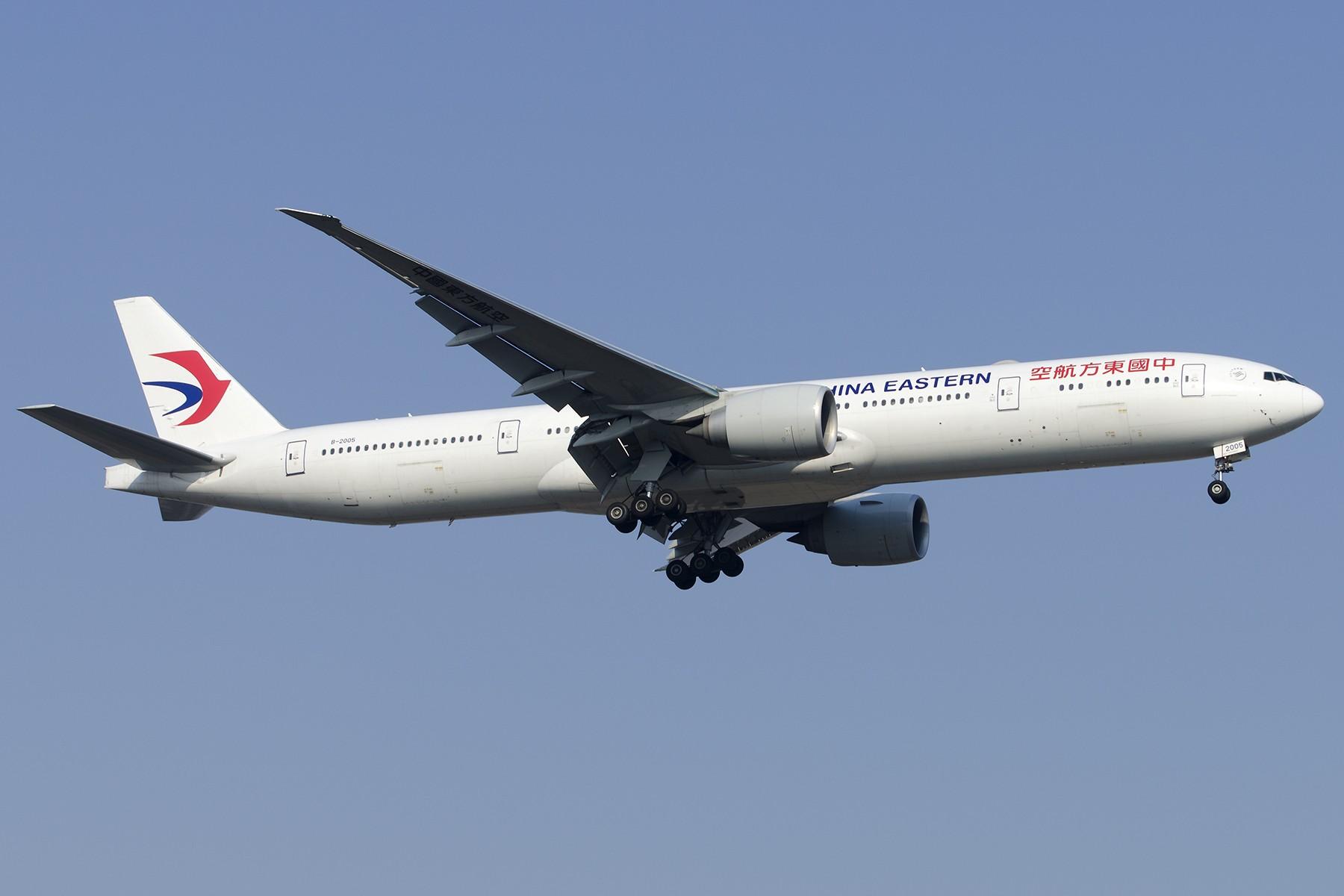 Re:[原创][原创]【PVG】好久没发图了,一堆库存(2)午后 BOEING 777-300ER B-2005 中国上海浦东国际机场
