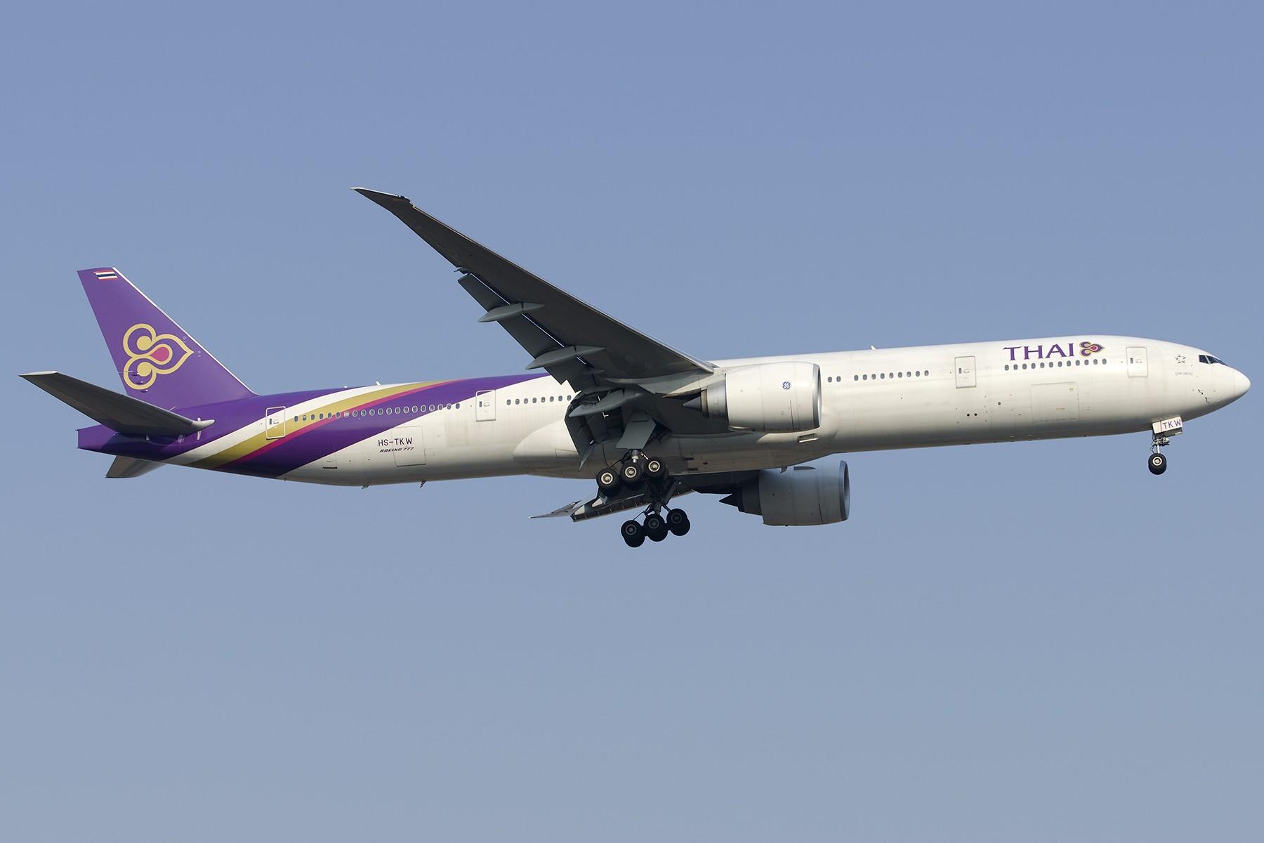 Re:[原创][原创]【PVG】好久没发图了,一堆库存(2)午后 BOEING 777-300ER HS-TKW 中国上海浦东国际机场