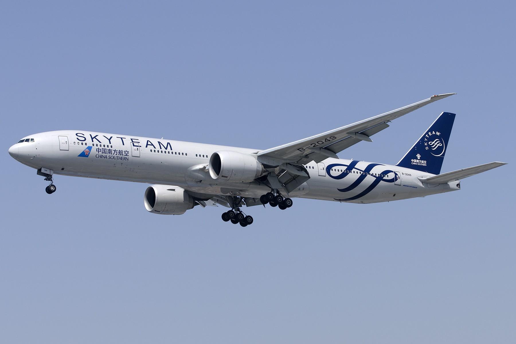Re:[原创][原创]【SHA拍机*1800大图】4月拍的了,记得那天好货还挺多 BOEING 777-300ER B-2049 中国上海虹桥国际机场