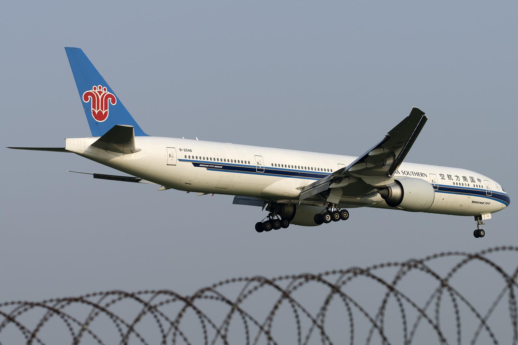 Re:[原创][原创]【SHA拍机*1800大图】4月拍的了,记得那天好货还挺多 BOEING 777-300ER B-2048 中国上海虹桥国际机场