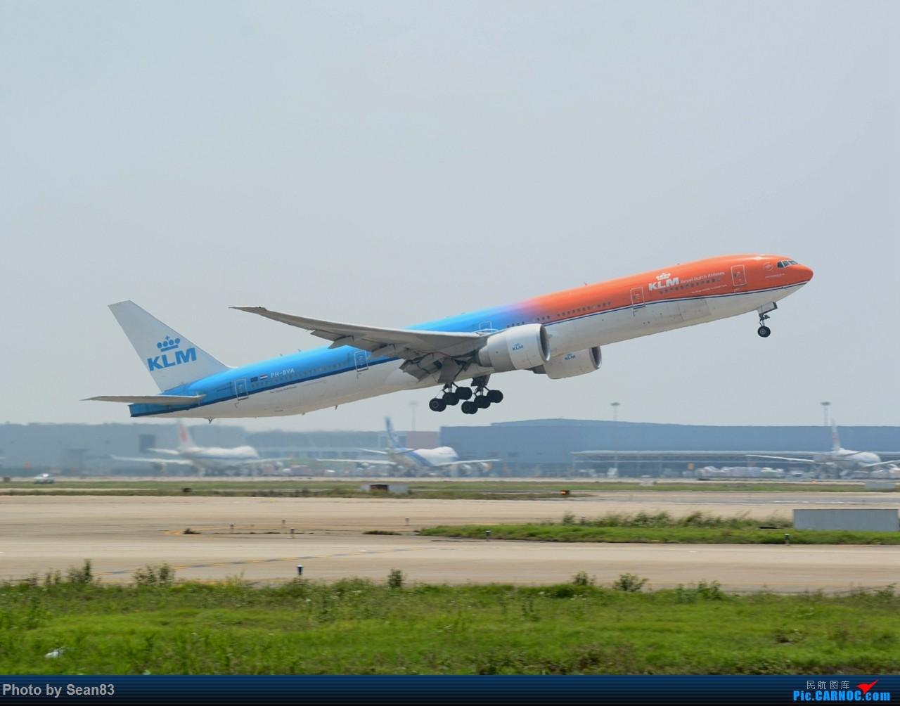 [原创](一图)荷兰橙色77W 浦东起飞 BOEING 777-300ER PH-BVA 上海浦东国际机场