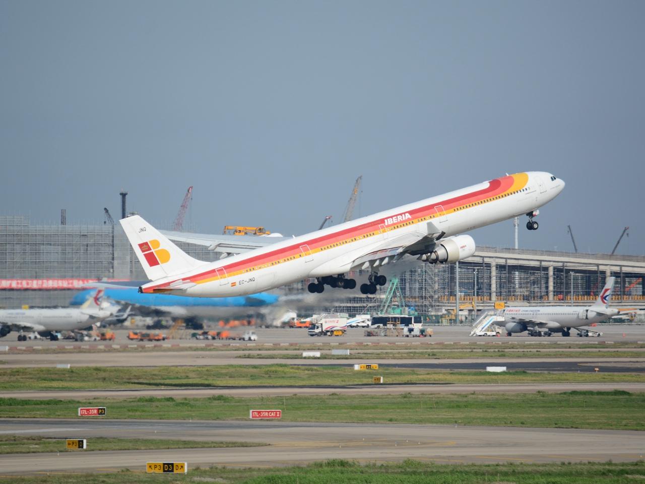 Re:[原创](多图一机)西班牙航空PVG起飞 后面有彩蛋 AIRBUS A340-600 EC-JNQ 上海浦东国际机场