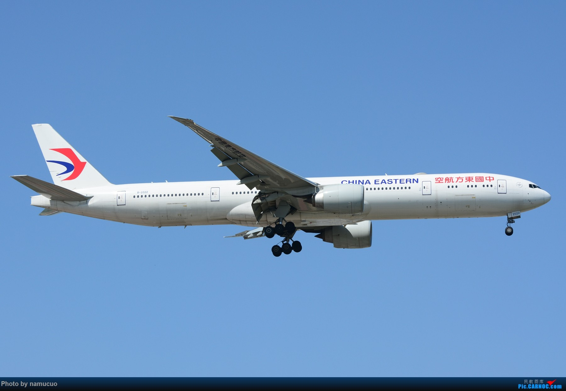 Re:[原创]【PEK】【多图】蓝天下的大飞机们,5.15跑遍首都三条跑道 BOEING 777-300ER B-2022